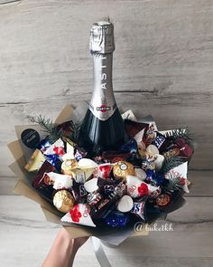 Food Bouquet, Gift Bouquet, Candy Bouquet, Food Gifts, Diy Gifts, Handmade Gifts, Bouquet Cadeau, Edible Bouquets, Candy Flowers