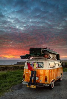 Camping......think of all the great sunsets you'd miss otherwise. VW Bus #Volkswagen ♥ #VWBus ☮ re-pinned to https://www.pinterest.com/wfpblogs/vw-bus/