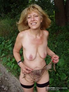 Findpics of naked horney cowgirls