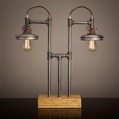 Lámpara de tubo de hierro con Base de madera por BlinkLab en Etsy