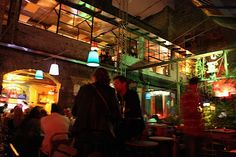 Photo Szimpla Kert (a romkocsma or ruin pub) in Budapest - Pictures and Images of Budapest - 550x366  - Author: Leighton, photo 1 of 451