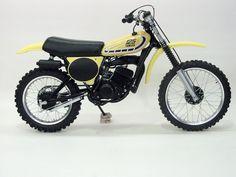 1976 Yamaha YZ125C Yamaha Motocross, Motocross Racing, Yamaha Yz 125, Yamaha Motorcycles, Moto Bike, Motorcycle Bike, Vintage Bikes, Vintage Motorcycles, Dirt Bike Magazine