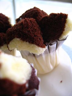 Good Question: How To Make Bolu Kukus (Indonesian Steamed Cupcakes)? Cake Recipes, Snack Recipes, Dessert Recipes, Cooking Recipes, Snacks, Indonesian Desserts, Indonesian Food, Indonesian Recipes, Cookie Desserts