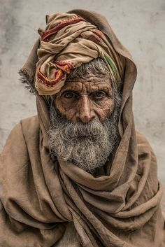 Mario Marino: The Magic of the Moment – Photo Book Old Man Pictures, Old Man Portrait, Old Faces, Foto Art, Portraits, Interesting Faces, People Around The World, Tattoo Studio, Photo Book