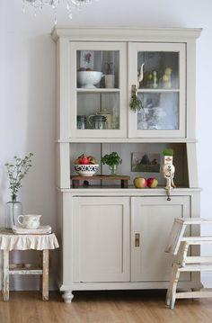 Möbel landhausstil gebraucht  buffetschrank aus weichholz antik um kuchenmobel landhaus weis grau ...