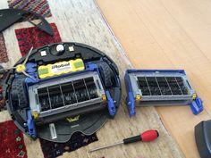 Amazonから届いたブラシモーターユニットでルンバを修理して見事復活!! いやぁ〜自分で修理できる家電製品って素晴らしいな〜!ビバアメリカン!