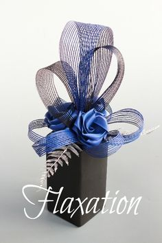 Flaxation for flax wedding bouquets & flowers Wedding Centerpieces, Wedding Bouquets, Flax Weaving, Flax Flowers, Large Flower Arrangements, Pasta Machine, Centre Pieces, Hobbies And Crafts, Special Occasion