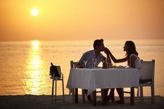The Best Honeymoon Resorts Around the World - Best Honeymoon Locations Best Honeymoon Locations, Best Honeymoon Resorts, Honeymoon Destinations, Honeymoon Essentials, Honeymoon Ideas, Couple Romance, The Better Man Project, Romantic Dinners, Most Romantic