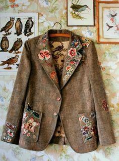 Inspiring Ways to Upcycle an Old Tweed Jacket