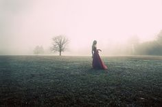 I love shooting photos in the fog. Water Shoot, Favim, How To Take Photos, Ethereal, Fairy Tales, Poses, Fantasy, City, Nature