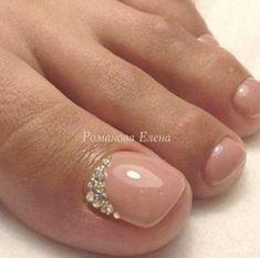 Bridal Toe Nails, Bridal Pedicure, Gold Toe Nails, Wedding Toe Nails, Wedding Toes, Gold Acrylic Nails, Bridal Nail Art, Wedding Nails For Bride, Bride Nails
