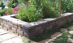 The 2 Minute Gardener: Photo - Raised Vegetable Bed/Seating Wall made from Country Manor Keystone