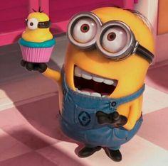 DM2 Minion Dave with his Minion Cupcake! ❤