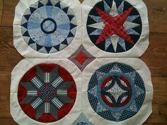 De eerste cirkels van mijn zelf ontworpen camelot quilt