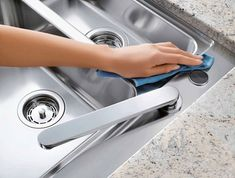 How To Care Your Stainless Steel Kitchen Sink Household Cleaning Tips, Household Cleaners, Diy Cleaners, Cleaners Homemade, Cleaning Hacks, Kitchen Cleaning, Tidy Kitchen, Steel Kitchen Sink, Flylady