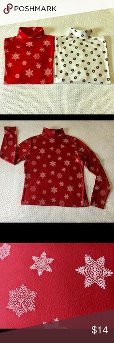 "CHRISTMAS TURTLE NECKS -2 - LARGE Casual Corners Annex - Large -Dark Red turtle neck with white snowflakes- 22""back of neck to hem- 19"" underarm to underarm-18.5 sleeve length -100% cotton- GUC. -----White  turtle neck with green and red wreaths-23 inches back of neck to hem-19"" underarm to underarm-18"" length of sleeve. Headliners brand-65% Poly-35% cotton-GUC. I feel they are more like medium/ large in size . CASUAL CORNER & HEADLINERS Sweaters Cowl & Turtlenecks"