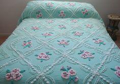 Vintage Cabin Crafts Chenille Bedspread Green Floral Tag 92 X 95 Trendy Bedroom, Girls Bedroom, Bedroom Decor, Bedrooms, Vintage Bedspread, Chenille Bedspread, Cabin Crafts, Beige Bed Linen, Vintage Cabin