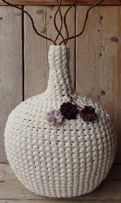 Botellon forrado con totora