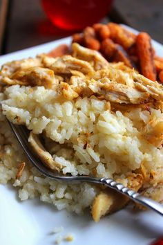 SIMPLE and EASY Chicken and Rice Casserole!! 5 INGREDIENTS!! MUST TRY OR PIN FOR LATER!