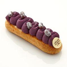 Éclair (エクレア) | L'éclair de génie (レクレール・ドゥ・ジェニ) | タカシマヤ Eclairs, Profiteroles, Choux Pastry, Pastry Cake, Gourmet Desserts, Plated Desserts, Fancy Cakes, Mini Cakes, Eclair Recipe