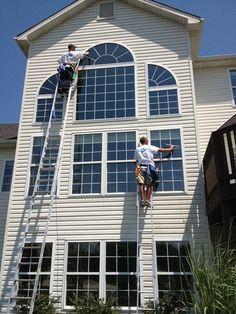 Some nice window washing teamwork.