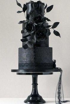 30 Stylish Black Wedding Cake For Unique Occasions - Hochzeit Gothic Wedding Cake, Gothic Cake, Black Wedding Cakes, Floral Wedding Cakes, Amazing Wedding Cakes, Wedding Cake Rustic, Elegant Wedding Cakes, Wedding Black, Cake Wedding