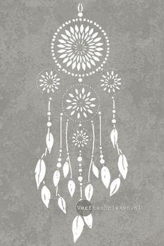 Stencil Dreamcatcher   verftechnieken.nl Native American Bedroom, Dream Catcher Native American, Native American Symbols, Dream Catcher Painting, Dream Catcher Mandala, Mandala Stencils, Communion, Chalk Paint, Brushes