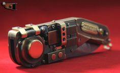 Электро-механический само открывающийся стим-панк нож диверсанта «Стимурай» своими руками