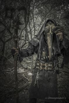 Steampunk Plague Doctor Costume : 3 Steps (with Pictures) - Instructables Post Apocalypse, Steampunk Costume, Steampunk Fashion, Steampunk Men, Dr Tattoo, Plauge Doctor, Witch Doctor, Plague Mask, Plague Dr