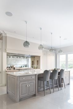 Contemporary Open Plan Kitchen, Theydon Bois – Humphrey Munson Kitchens – Home living color wall treatment kitchen design Open Plan Kitchen Living Room, Home Decor Kitchen, Kitchen Interior, New Kitchen, Home Kitchens, Dining Room, Kitchen Ideas, Grey Kitchen Diner, Kitchen Breakfast Bar Stools