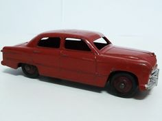 DINKY TOYS NO.170 FORD SEDAN, RED/MAROON HUBS