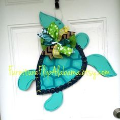 Summer door hangerTurtle door hangerNautical door hangerbeach sign beach wreath Beach door hanger by Furnitureflipalabama on Etsy Wooden Crafts, Diy Crafts, Burlap Crafts, Burlap Projects, Sand Crafts, Wood Projects, Craft Projects, Craft Ideas, Burlap Door Hangers