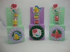 Porta tubete, confeccionados em papel 180 gramas, o tubete acompanha o produto. <br> <br>Os doces não acompanham o produto. <br> <br>Todos os produtos podem ser vendidos separadamente. <br> <br>Pode ser produzido em outras cores e temas.