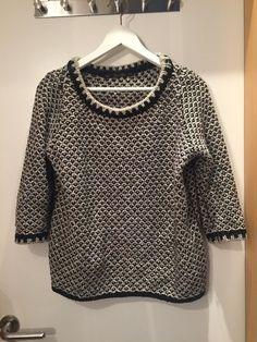 Verkaufe meinen schwarz weißen zara Pullover! Top Zustand :)