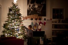 Photographing The Magic of Christmas Morning