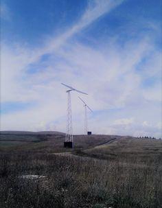 Impianto minieolico composto da 4 Turbine 10kW - AVIGLIANO (PZ) Eseguito tra il Maggio 2009 e il 2010  Lat. 37.856° - Long. 12.684°