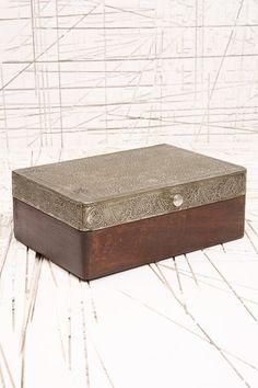 Coffret à bijoux en bois et métal