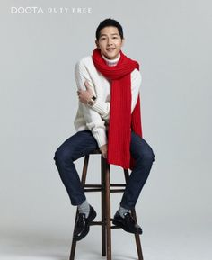 Actor Song Joong Ki is looking handsome for the winter season in coats and scarves!His winter shoot was unveiled on November 4 for the 'DOOTA Duty Fre… Song Joong Ki Photoshoot, Gentleman Songs, Song Joon Ki, Sungkyunkwan Scandal, A Werewolf Boy, Songsong Couple, Hallyu Star, Innocent Man, Song Hye Kyo
