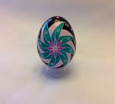 Ukrainian Egg, windmill design ~ Pysanka ~ Pysanky ~ Ukrainian Easter Egg by EggsbyShari on Etsy https://www.etsy.com/ca/listing/489120766/ukrainian-egg-windmill-design-pysanka