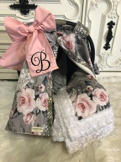 Floral car seat canopy nursing cover 2 in 1 Cute Baby Girl, Baby Love, Cute Babies, Baby Girls, Baby Girl Car Seats, Baby Girl Carseat Covers, Baby Necessities, Baby Must Haves, Everything Baby
