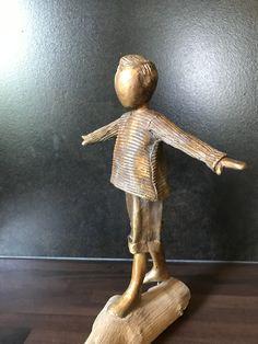 Bronze sculpture / brons made by Babke Moelee Bronze Sculpture, Psalms, Door Handles, Home Decor, Wire Sculptures, Pottery, Sculptures, Kunst, Door Knobs