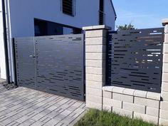 AST PLOTY moderní hliníkové ploty Fence Gate Design, House Gate Design, Front Door Design, Outdoor Screen Panels, Compound Wall, Boundary Walls, Backyard Pool Designs, Modern Office Design, Front Gates