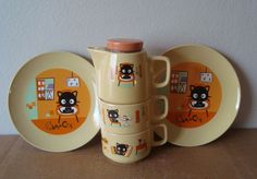Sanrio CHOCOCAT Stacking Teapot w/ 2 cups and 2 Plates Eames Era Furniture