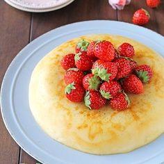 作業時間5分で簡単おやつ!炊飯器でほったらかしもっちりなめらかプリンケーキ by ぱおさん | レシピブログ - 料理ブログのレシピ満載! こんにちは〜!今日は春休みにお子さんと一緒に作れる簡単おやつです〜♪生クリームさえあれば、後はおうちにある材料で、簡単に出来るおやつ・・混ぜるだけの、作業時間5分!の簡単お菓子炊飯器でほったらかし〜な...