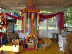 Het circus Pommerdepom heeft haar circustent neergezet op de Prins Clausschool.