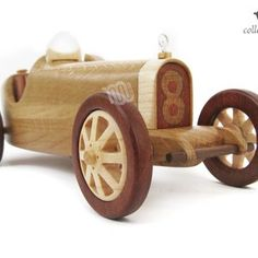 Bugatti Type 1924 réplique à collectionner image 6 Bugatti, Grand Prix, Wooden Toy Cars, Wood Toys, G 1, World Championship, Courses, Mercedes Benz, Ferrari