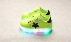 Kids LED Sneakers 2017 New Spring children Colorful flashing led light Girls casual shoes Stars Boys Shoe with lights Size 21-30