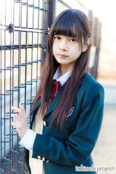 日本で最もメジャーな制服、ブレザー。 アレンジの幅が広いため、デザインに各校の個性が光っている。 新学期のときめきを、一足先にtokimeki projectの着こなしで。