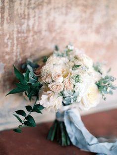 Romantic blush + cream wedding bouquet: http://www.stylemepretty.com/2015/11/13/elegant-oceanside-garden-wedding-in-malibu/ | Photography: Diana McGregor - http://www.dianamcgregor.com/