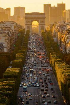 Av. Champs-Élysées